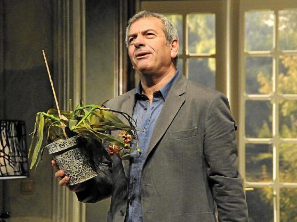 Carlos Sobera, encarnando a Oliver Rose en 'La guerra de los Rose'.