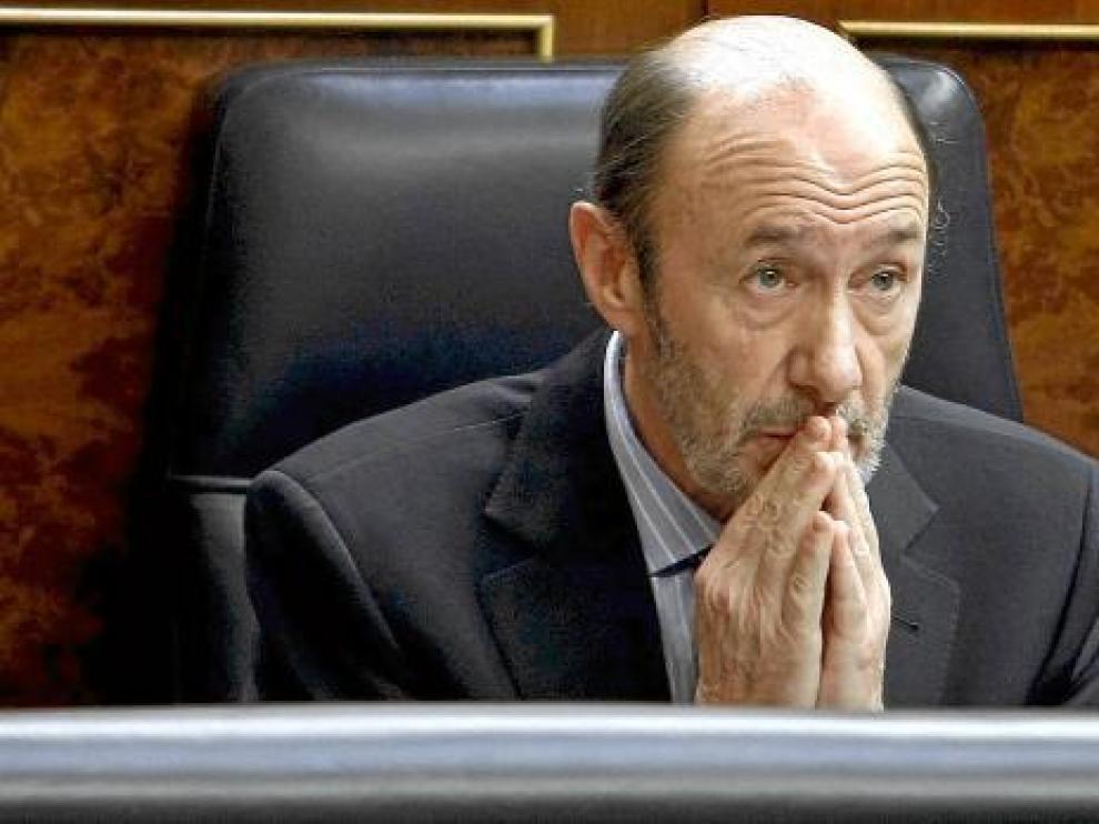 Alfredo Pérez Rubalcaba, durante la sesión de control al Gobierno en el Congreso, ayer.