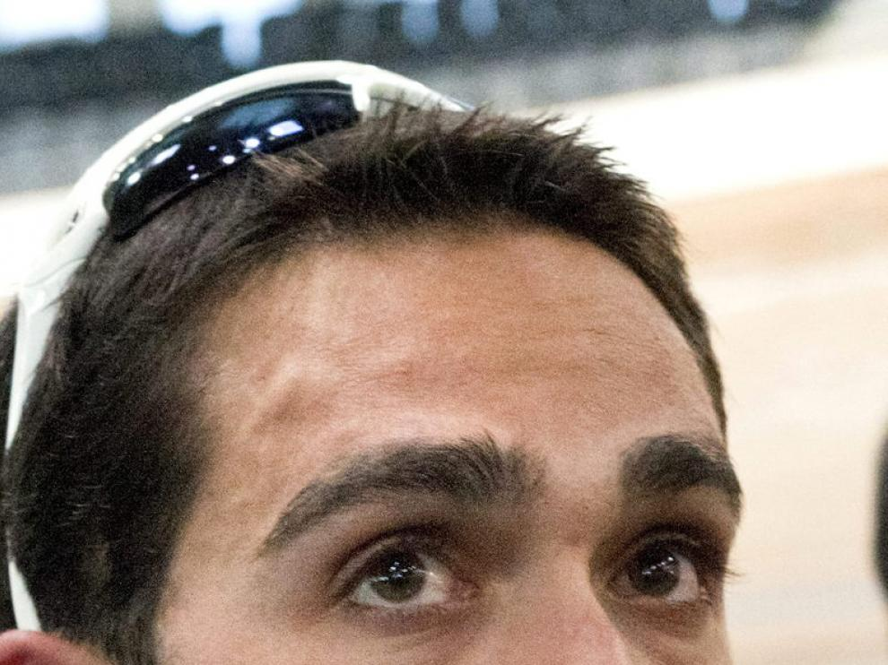 Alberto Contador atiende a los medios, hoy