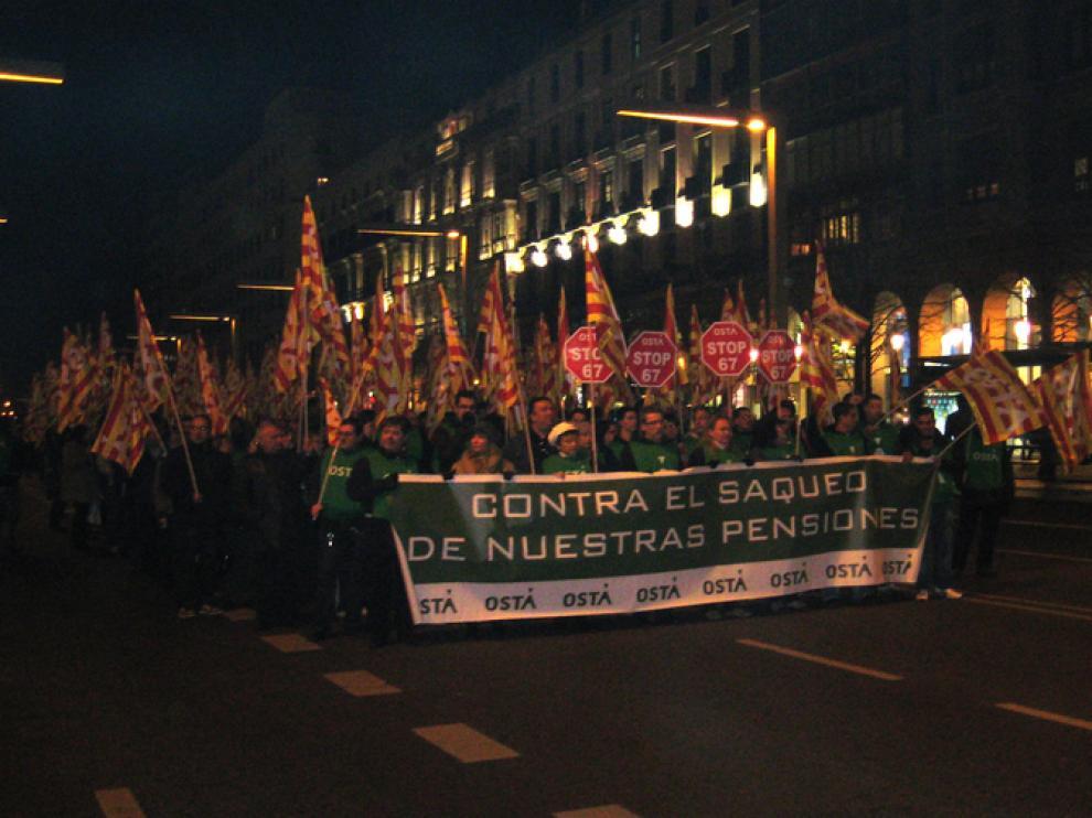 La manifestación recorrió el centro de Zaragoza.