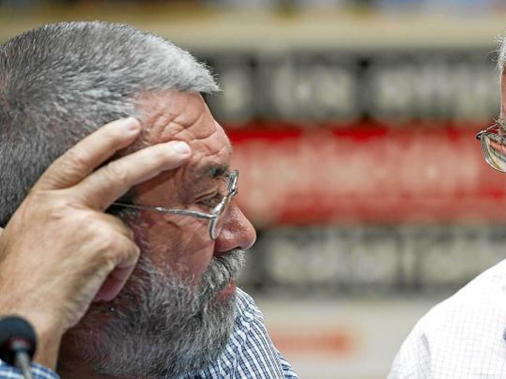 Cándido Méndez, secretario general de UGT, e Ignacio Fernández Toxo, líder de CC. OO., en una imagen de archivo.