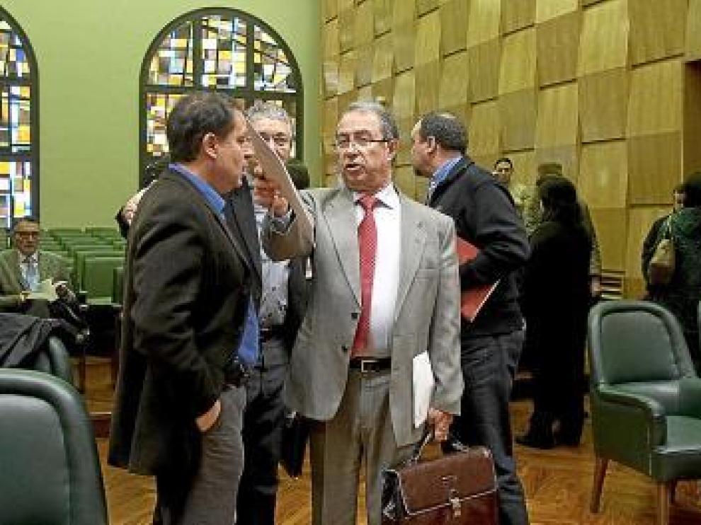 Jerónimo Blasco y Fernando Gimeno, a la entrada de la comisión.