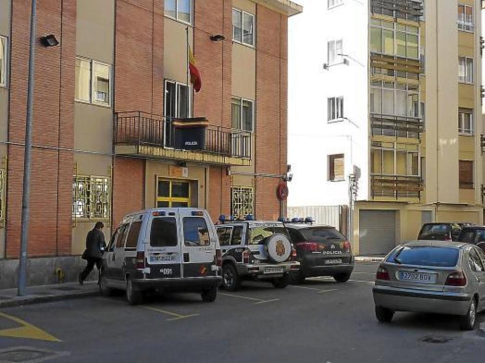Los funcionarios procesados pertenecen a la comisaría de Jaca, en la imagen.