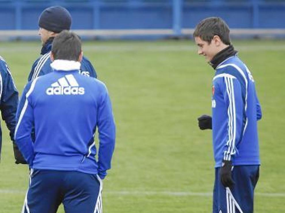 Ander Herrera, a la derecha, en el entrenamiento de ayer.
