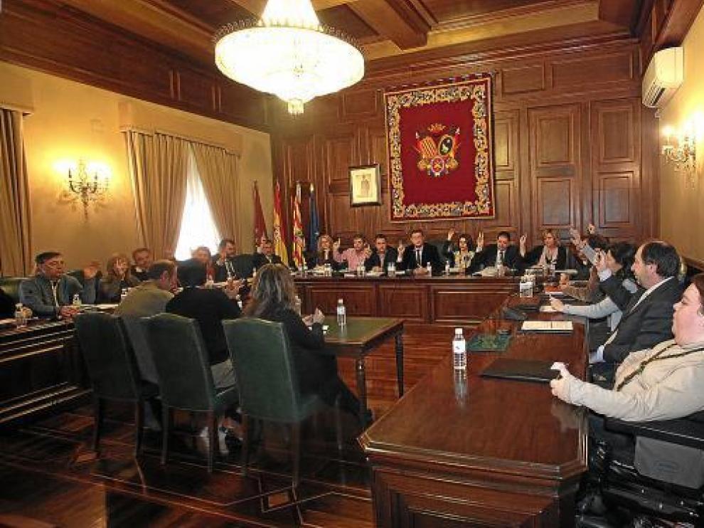 El pleno votó por unanimidad una modificación urbanística que posibilita el hospital del Planizar.
