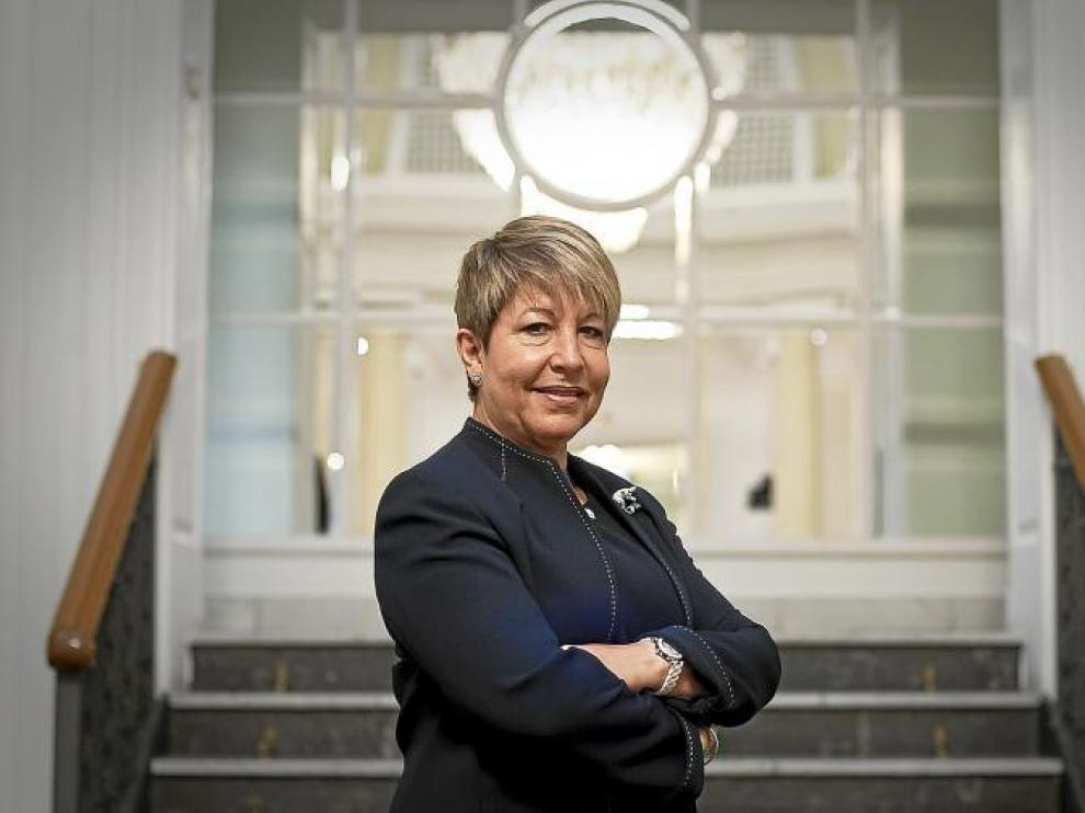 María Pilar Albiac (Zaragoza, 1953) viajó desde la sede de Airbus en Toulousse (Francia) al Gran Hotel de Zaragoza para la entrevista.