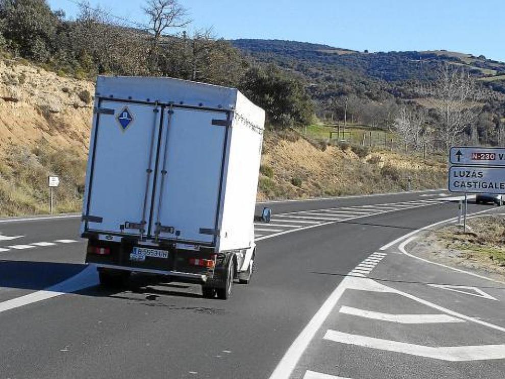 El cruce de la N-230 con el acceso a Luzás acumuló en 2010 varios accidentes por colisiones.