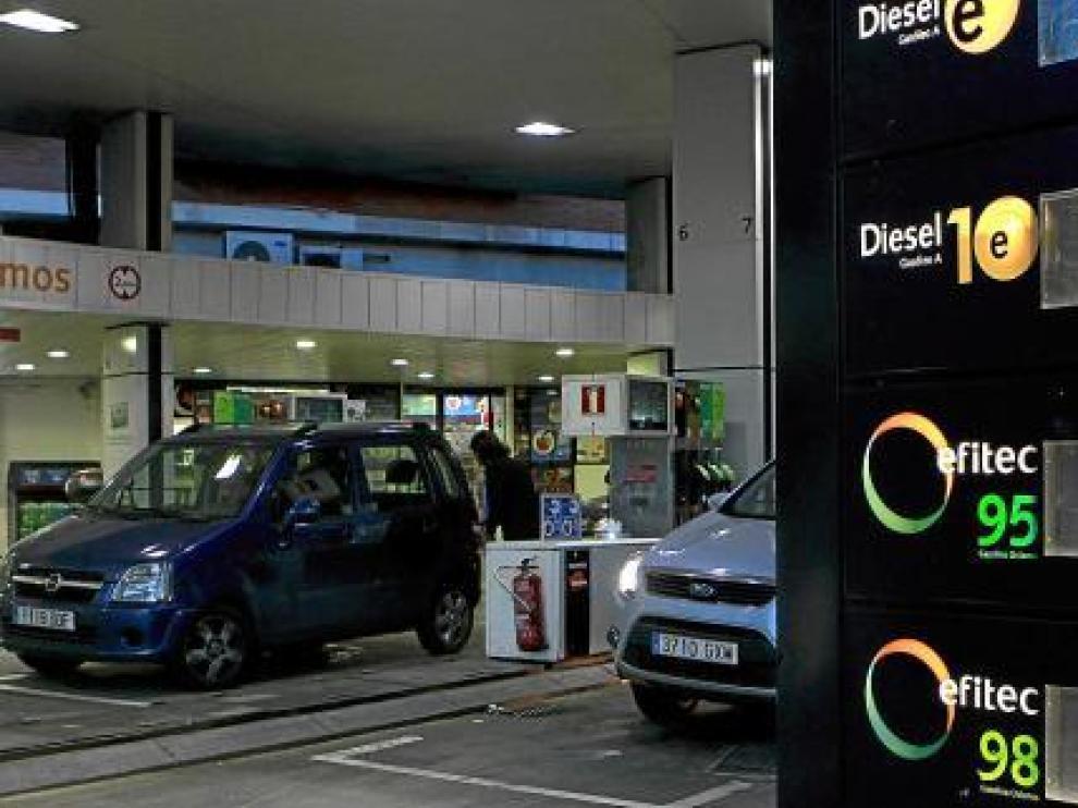 La gasolina acusa ya la subida de los precios del petróleo.