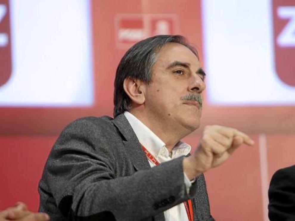 Valeriano Gómez, ministro de Trabajo, ayer en la Convención del PSOE en Zaragoza.