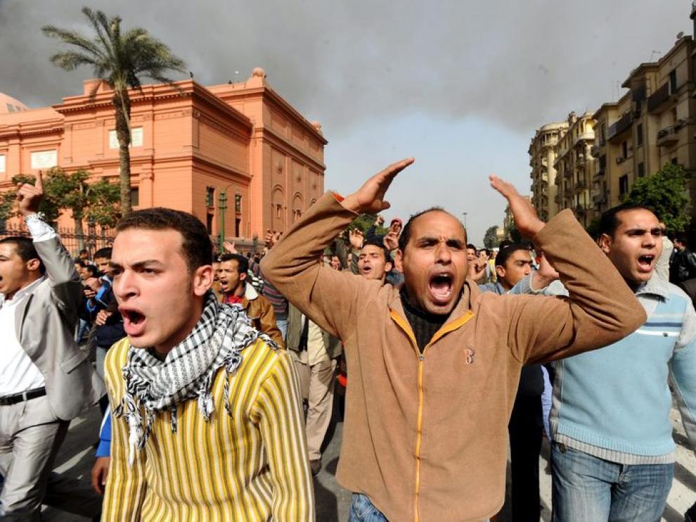 Gritos de los miles de egipcios en El Cairo
