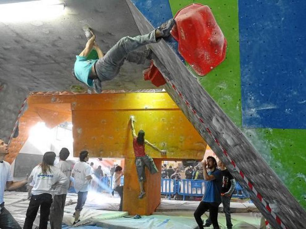 Varios escaladores participaron en el I Open Paraclimbing, la principal novedad en Jaca.