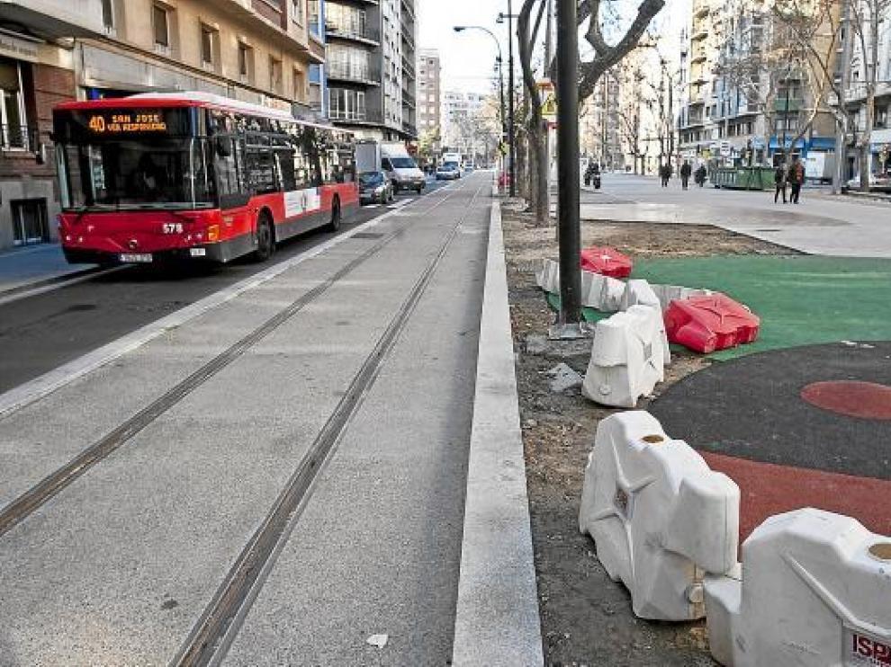 Un vallado perimetral separará las zonas de juego del trazado del tranvía.