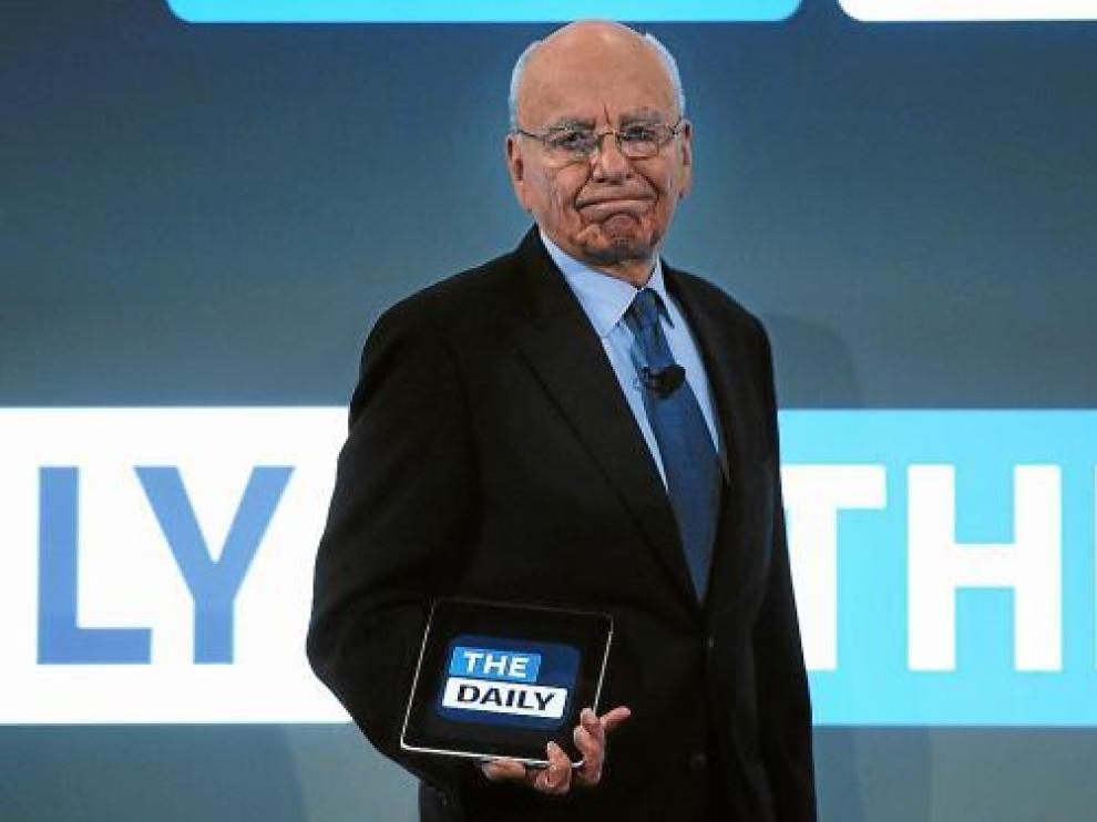 El magnate de los medios de comunicación Rupert Murdoch, con 'The Daily' para iPad.