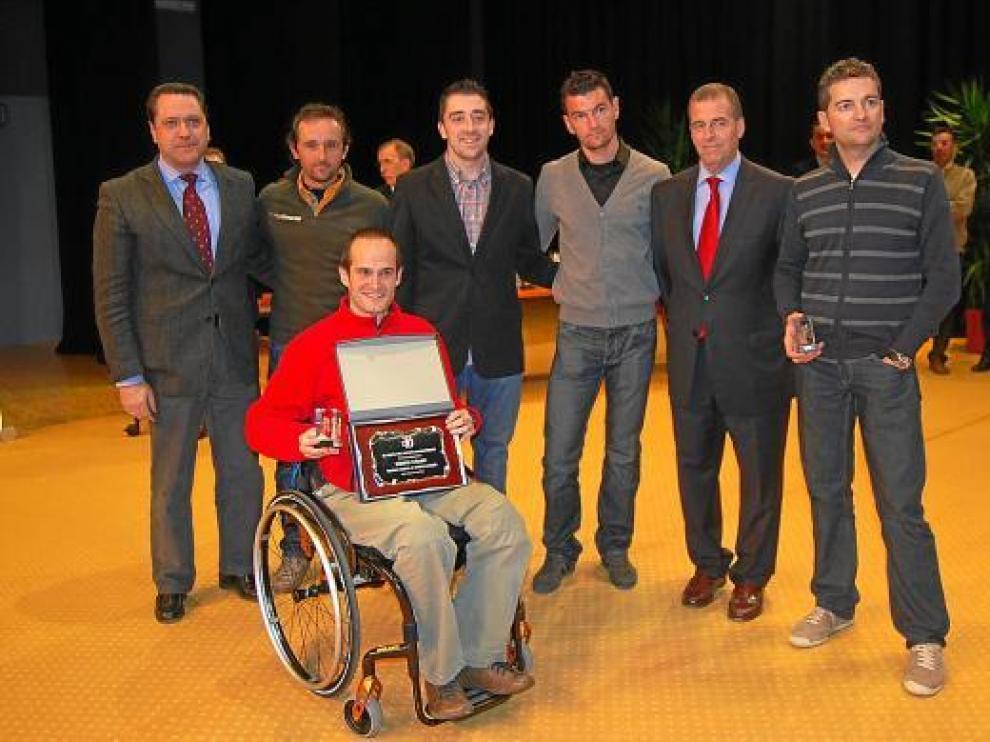 El equipo ciclista Coanfi, con un Diego Ballesteros que recibió los mayores aplausos.