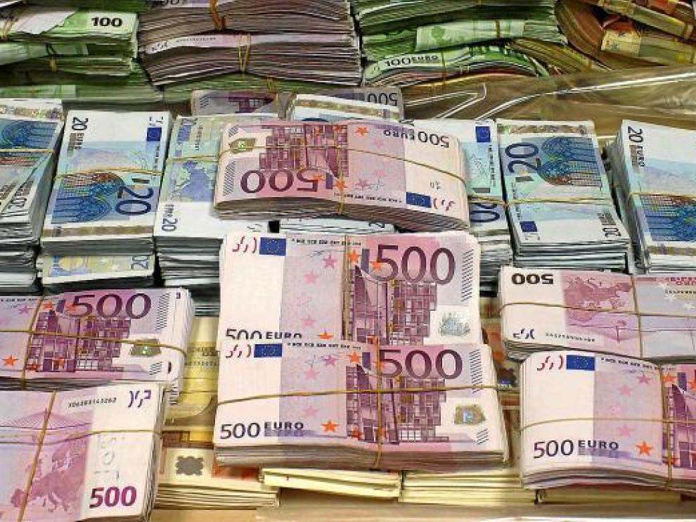 Hacienda vigilará a quienes declaren ingresos normales y vivan como ricos