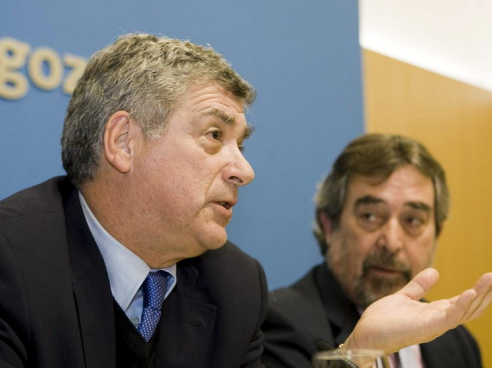 El alcalde de Zaragoza junto a Ángel María Villar, presidente de la RFEF
