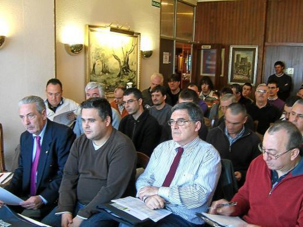 Participantes en la asamblea del pasado sábado de los clubes de pesca altoaragoneses.