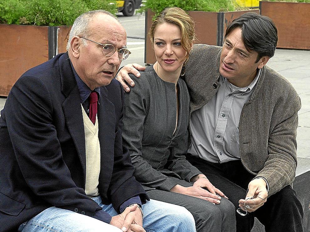 El realizador con Claudia Guerini y con Carmelo Gómez, en 2004