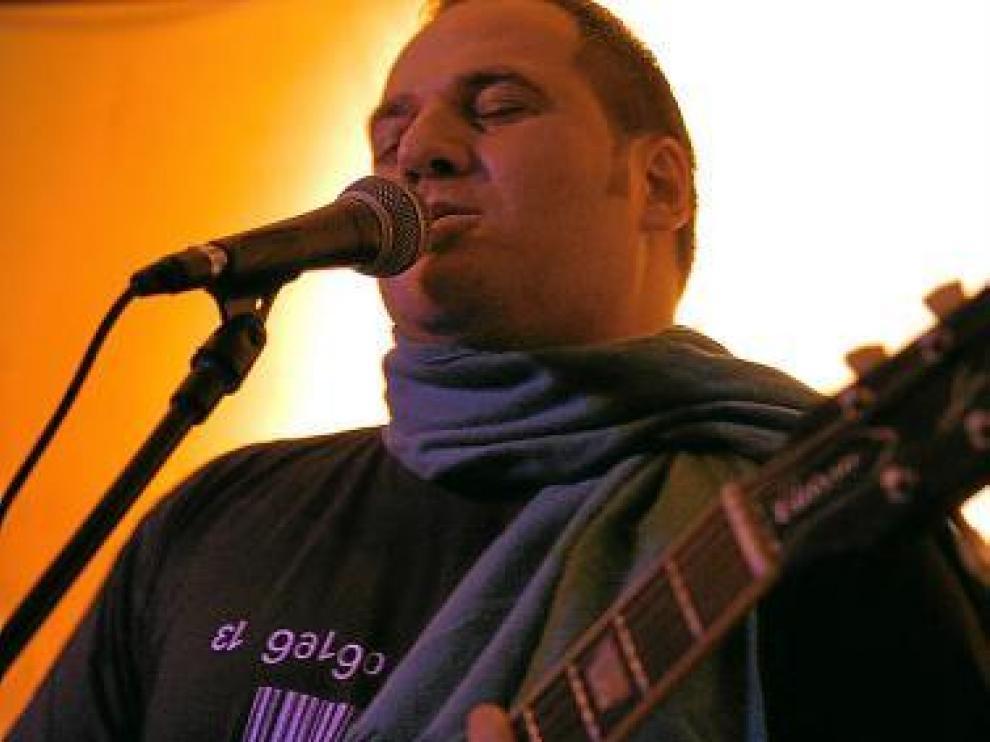 Rafa Domínguez, Guisante, en concierto.