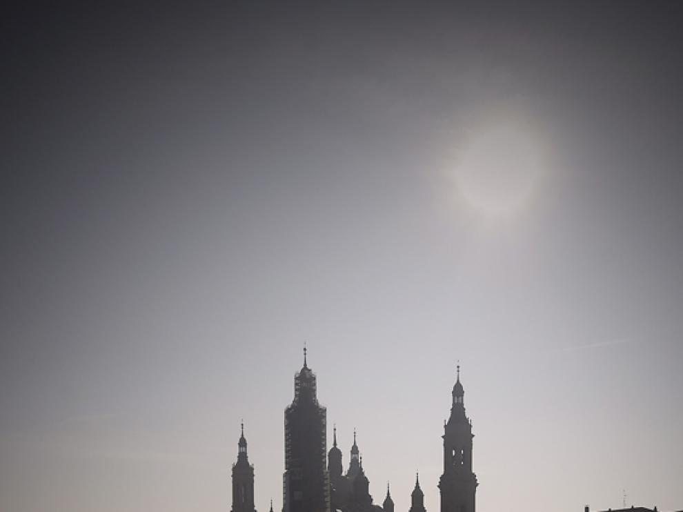 Andamios en las torres del Pilar
