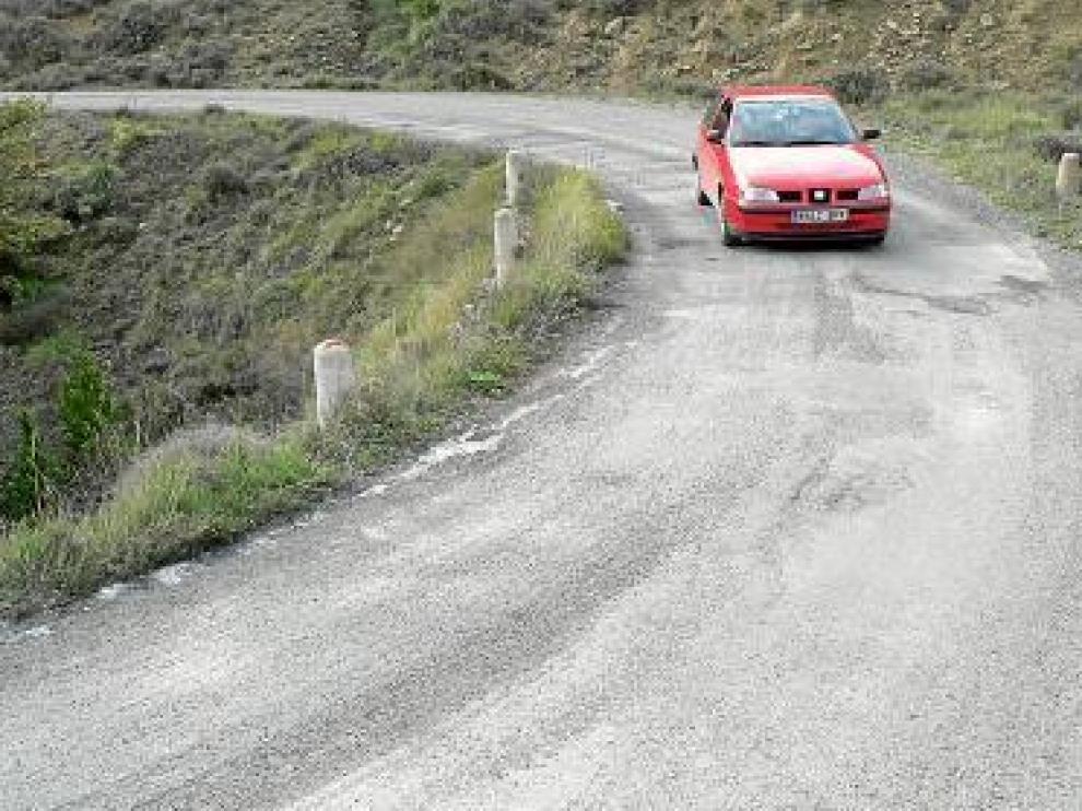 Longás vuelve a reclamar la adecuación de la carretera de acceso al pueblo