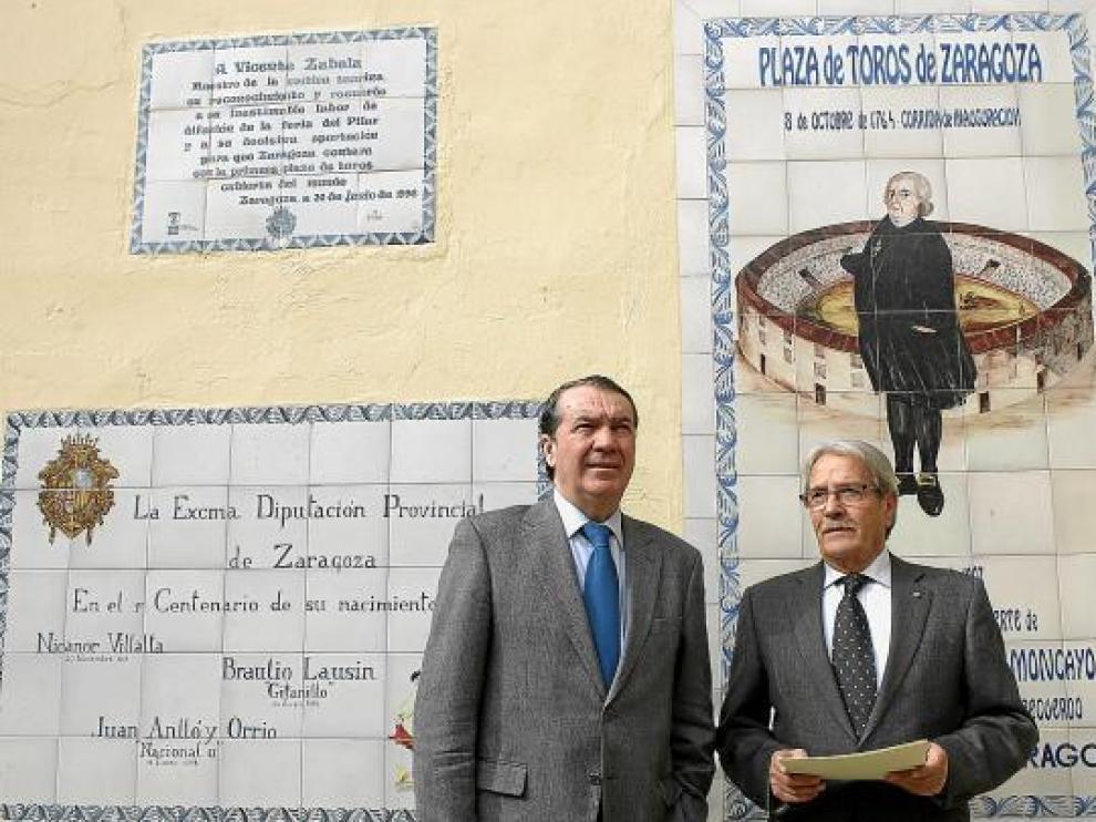 Ignacio Zorita, representante de Taurodelta, junto al delegado de Asuntos Taurinos, Jesús Pérez.