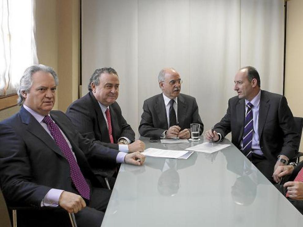 De izquierda a derecha, Javier Hermosilla y Bruno Catalán, respectivamente; Alberto Larraz; y José Antonio Alayeto y José María Jiménez.