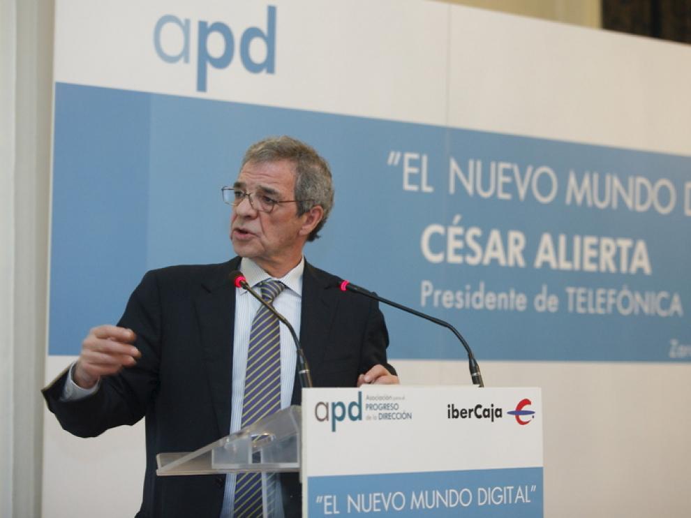 El presidente de Telefónica durante una conferencia