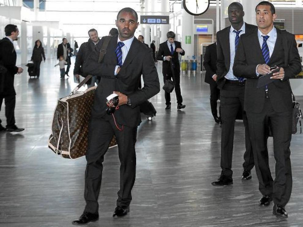 Sinama-Pongolle, Da Silva y N'Daw antes de embarcar hacia Alicante.