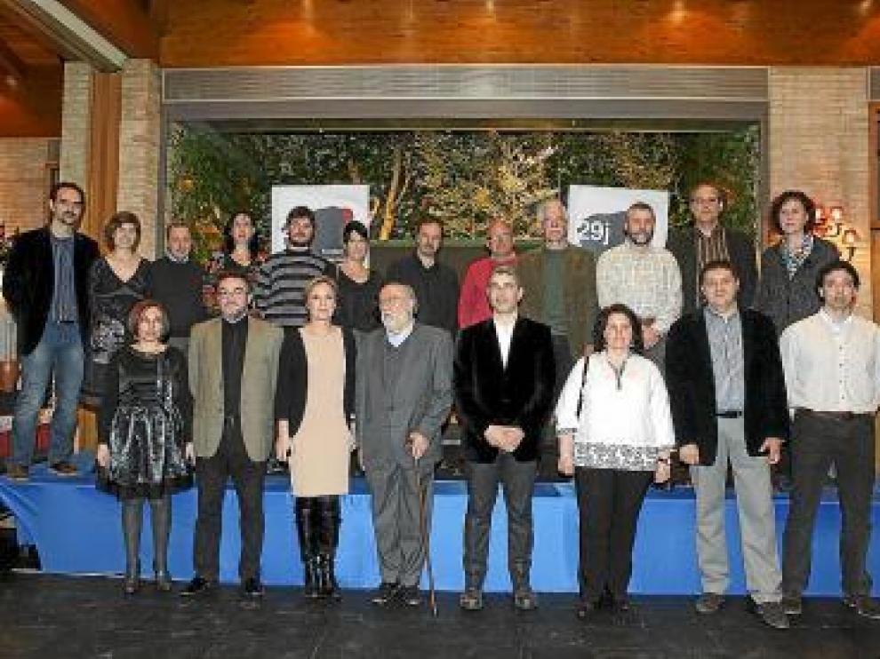 Los galardonados por la Fundación Aragonesista, en Villanueva.