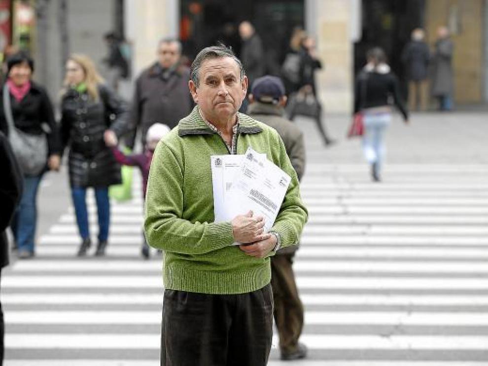José Luis, con la sentencia que pone fin a un largo año de trámites burocráticos.
