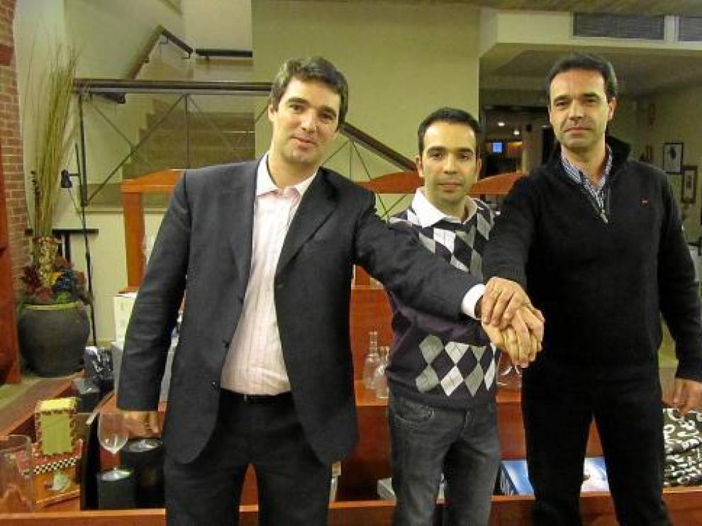 De izquierda a derecha, los candidatos del PAR en Barbastro, Monzón y Binéfar.