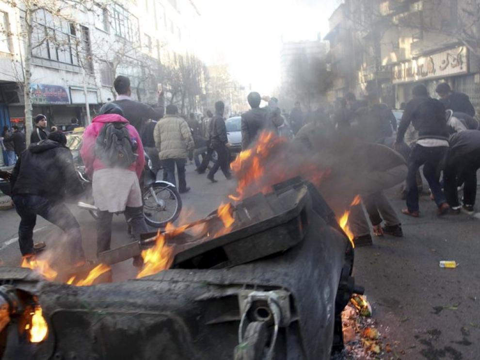 Disturbios en las calles de la capital iraní
