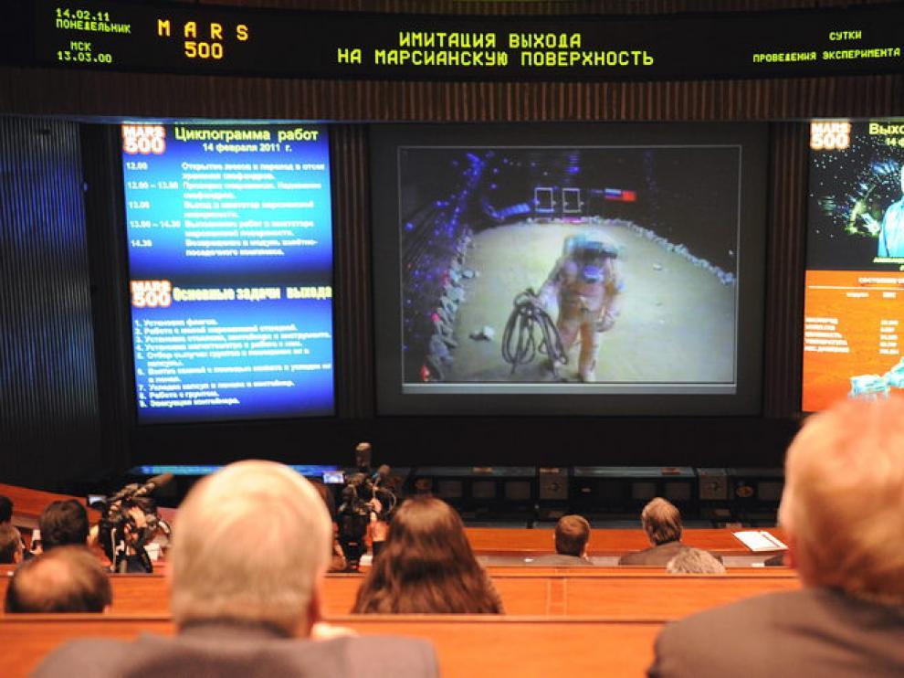 Sala de control del simulacro del viaje a Marte