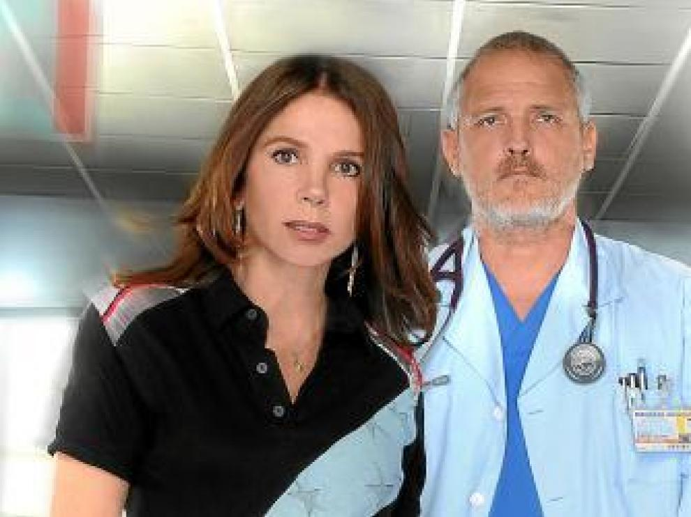 Victoria Abril y Jordi Rebellón, en 'Hospital central'.