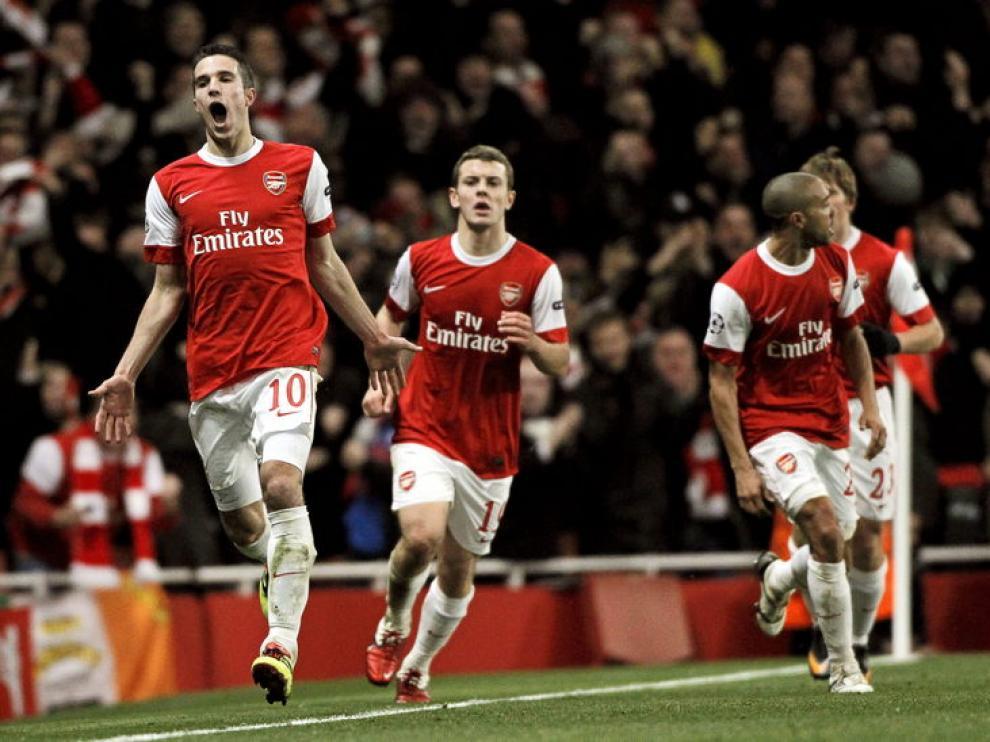 Los jugadores del Arsenal celebran uno de los goles de su equipo