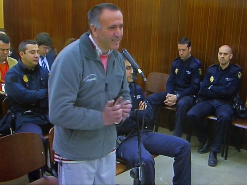 Santiago del Valle, acusado en el caso Mari Luz, durante el juicio.