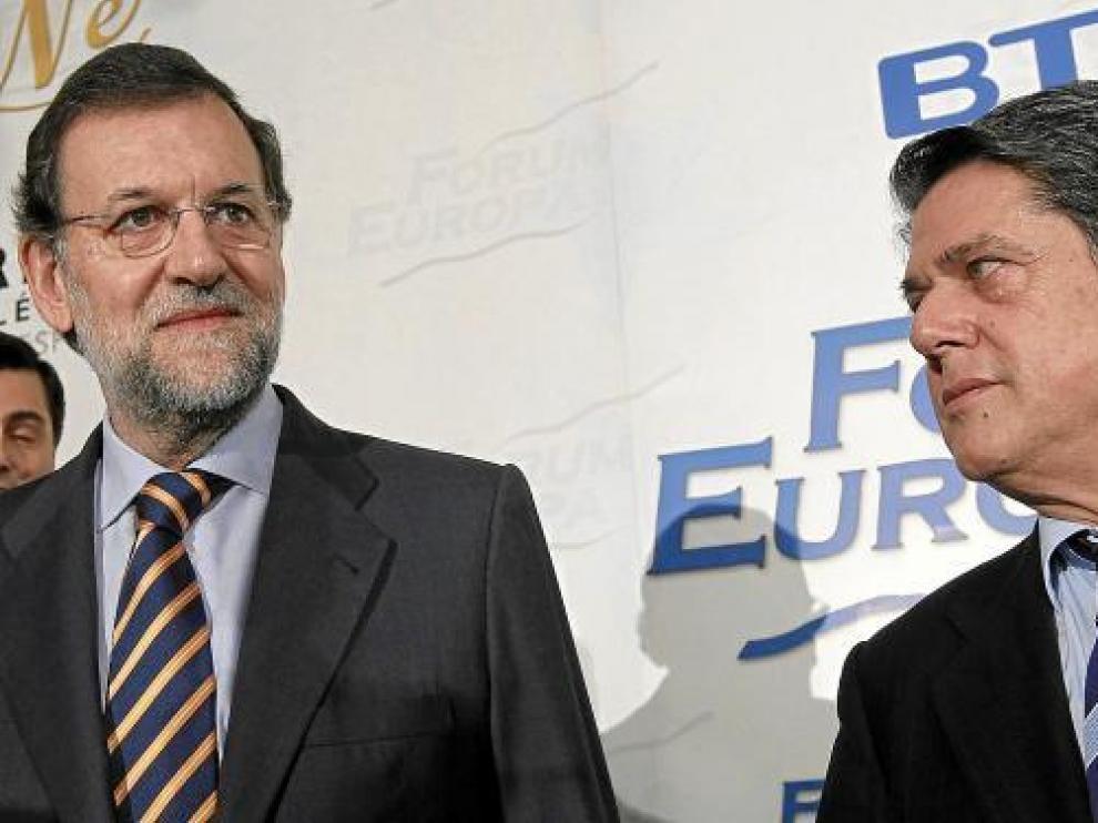 Mariano Rajoy y Federico Trillo, ayer en el desayuno informativo del Foro Europa.