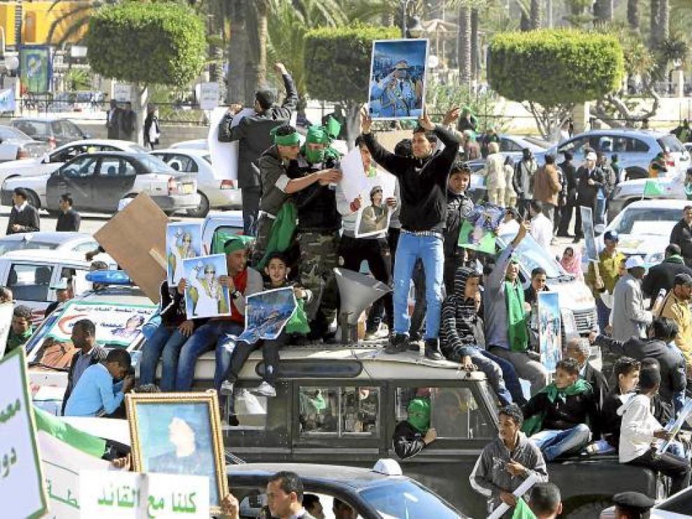 La oposición denuncia que van seis muertos en la represión de las marchas contra Gadafi