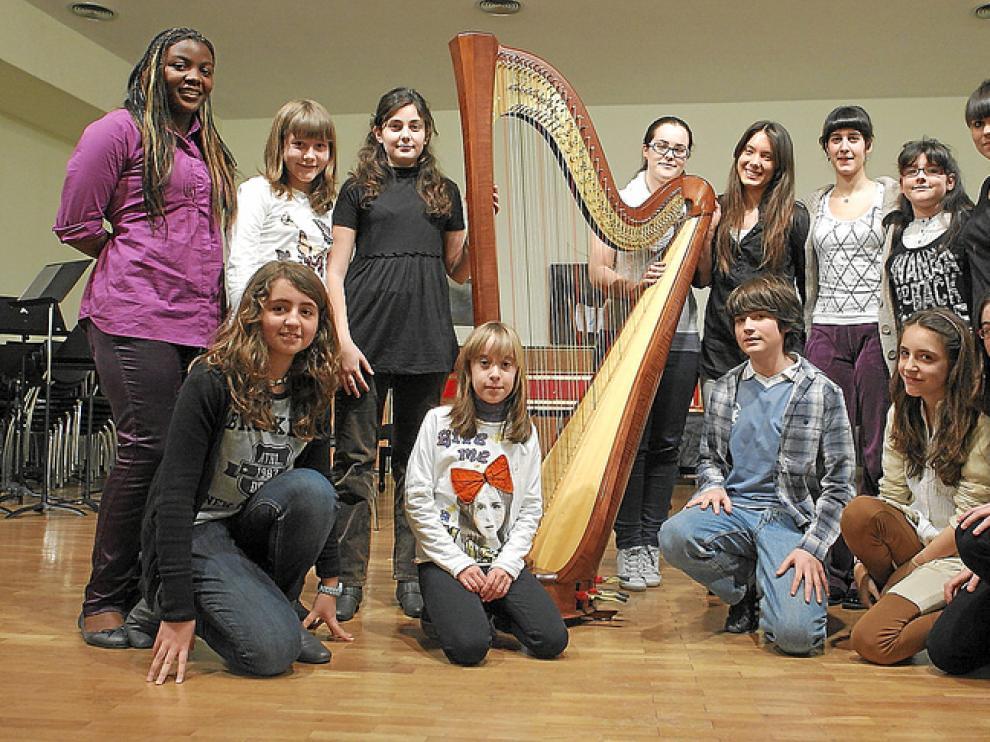 Los trece alumnos del Conservatorio de Zaragoza que participarán en Arpa Plus