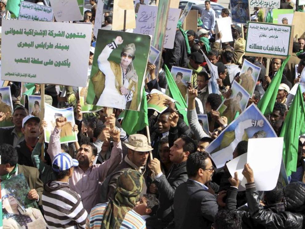 Un grupo de simpatizantes del gobierno libio, hoy en Trípoli