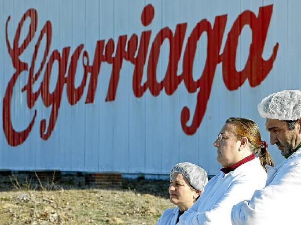 Concentración de la plantilla de la factoría de Elgorriaga, ayer en Mérida.
