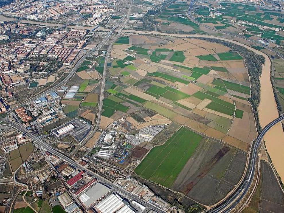 El plan prevé construir viviendas entre las vías del ferrocarril y el Tercer Cinturón, en la parte izquierda de la imagen.