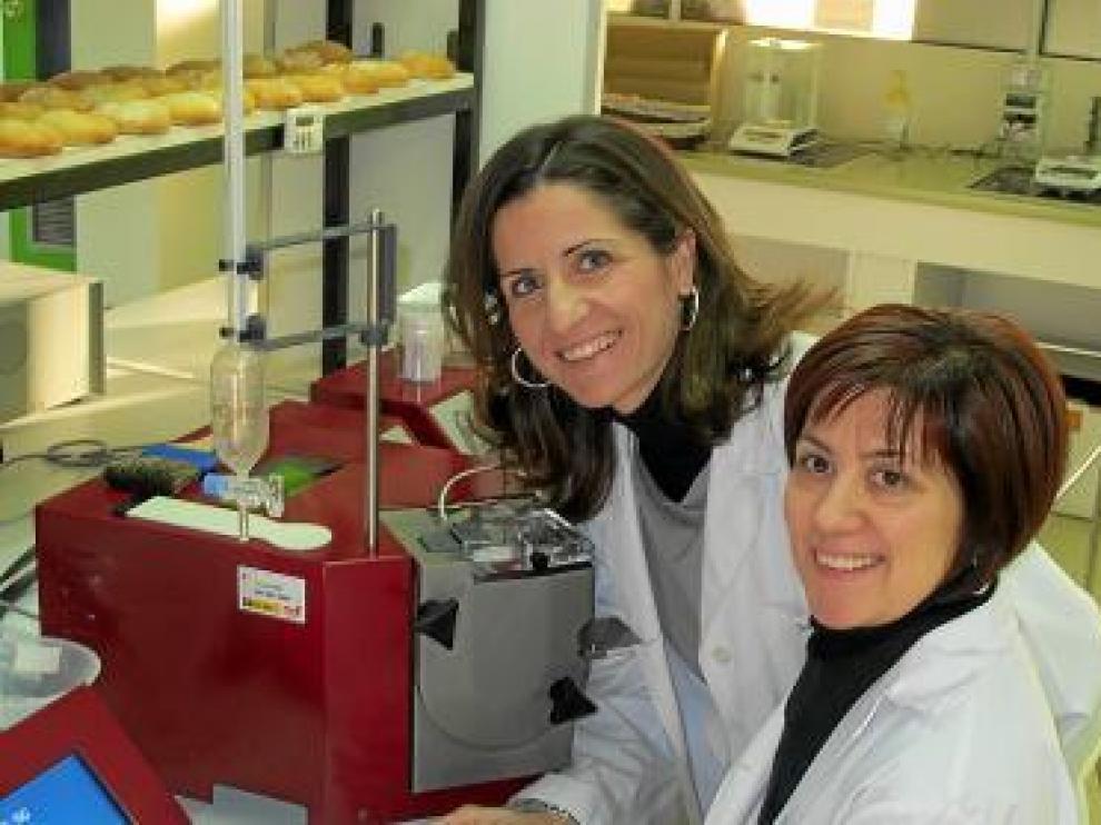 Sara Remón y Estrella Cortés, las investigadoras.