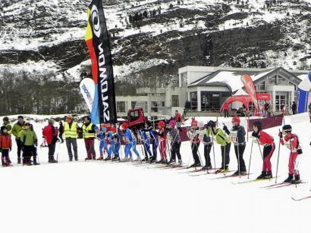 Las pruebas de esquí de fondo que se organizaron ayer en Somport.