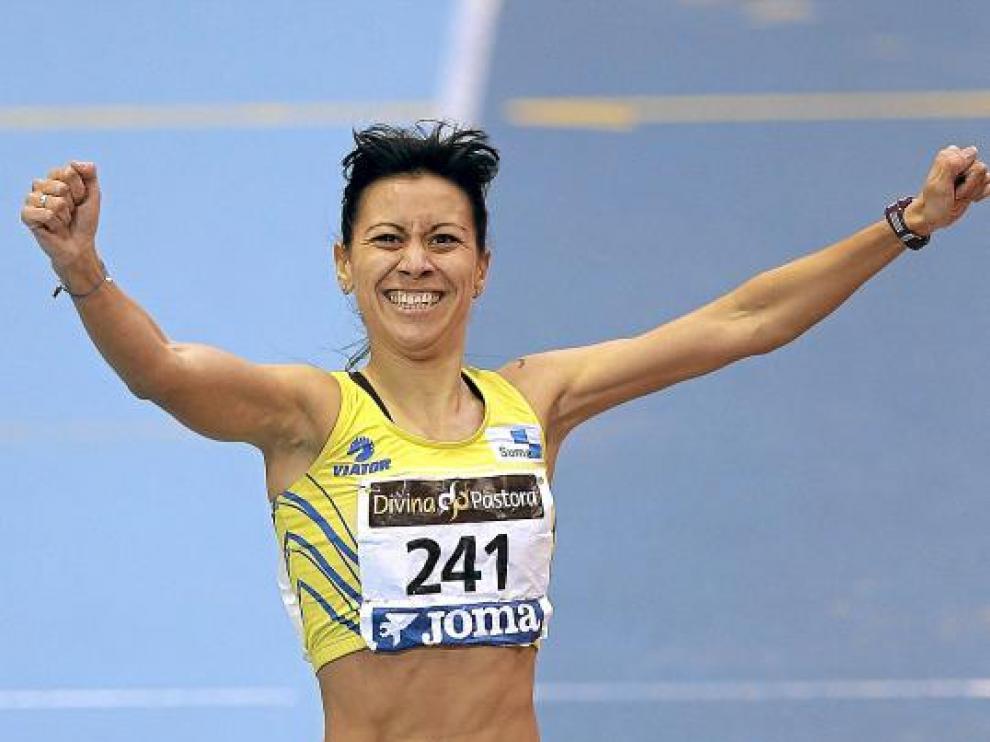 Isabel Macías, en el momento de proclamarse campeona de España de 1.500.