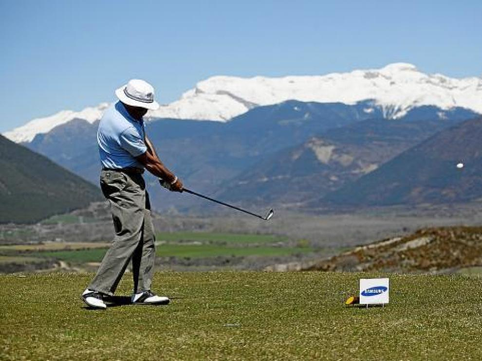 Un participante del Nacional de esquí y golf en la pasada edición en Margas.