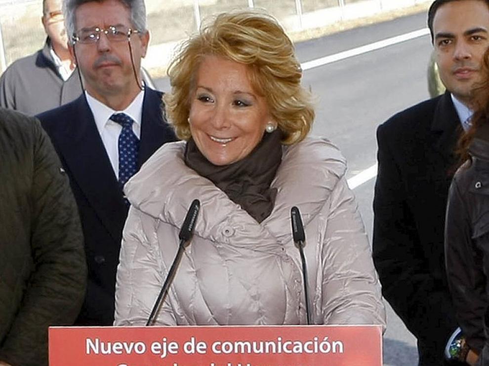 Esperanza Aguirre durante la comparecencia en la que ha anunciado su enfermedad.