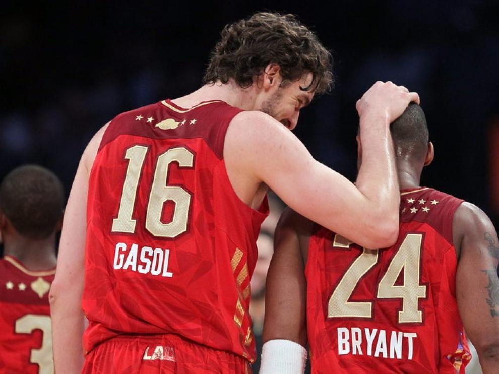 El dúo de Lakers durante el encuentro