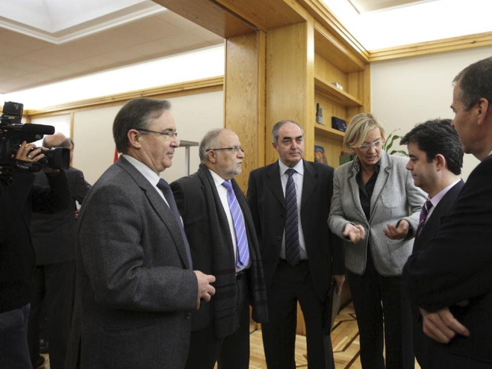 Reunión para tratar el futuro del aeropuerto de Huesca